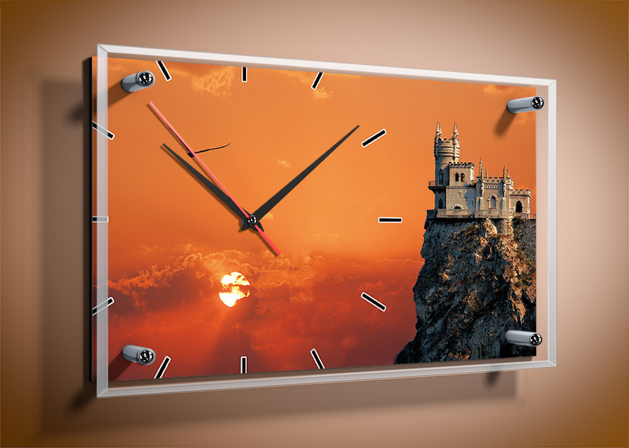 среднем, картина с часами и подсветкой эту функцию можно